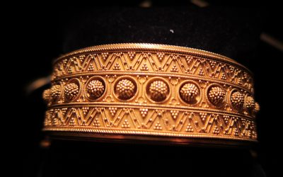 etruscan-wire-bead-work-bangle-circa-1875-side-1