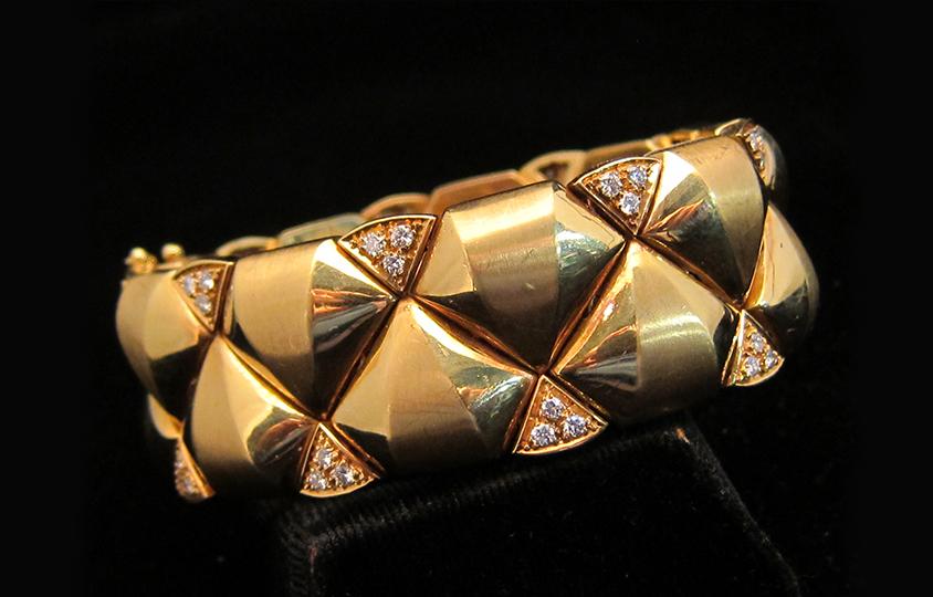 gloss-matt-gold-and-diamond chicago
