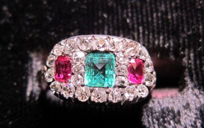 silver-on-gold-emerald-ruby-and-diamond-cluster