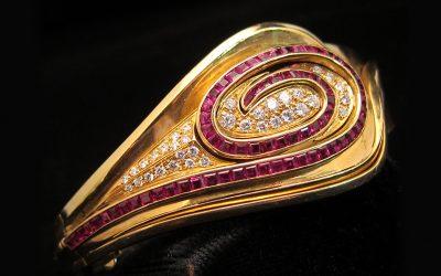 calibre-ruby-diamond-swirl-design-bangle