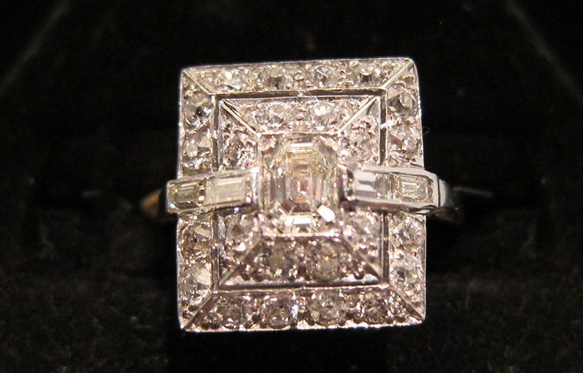 SQUARE SHAPED RING Chicago