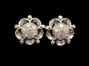 3 Art Deco, Platinum & Diamond clip earrings. Circa 1935