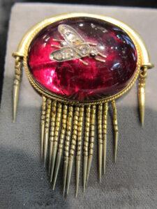 Garnet fringe brooch
